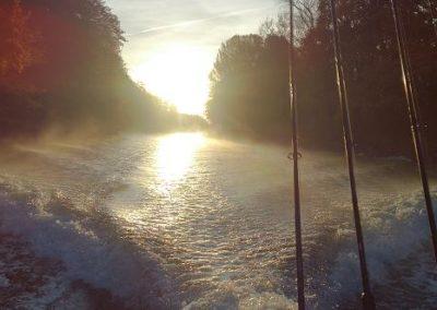 Väddö kanal i soluppgång
